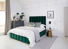 The Best Velvet Beds: The Livingetc edit of the most gorgeous in the UK This is the Tosca bed, from Sweetpea & Willow Green Headboard, Green Bedding, Bedroom Green, Bedroom Colors, Home Bedroom, Modern Bedroom, Bedroom Decor, Mid Century Modern Master Bedroom, Modern Beds