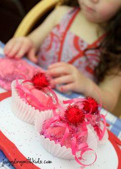 Juggling With Kids: Pinkalicious Playdough Cupcakes
