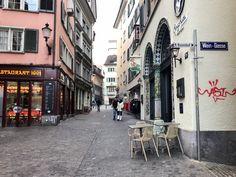Zürich Korkkarit rinkassa - Eveliina Tyllinen - Street View