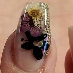 I love clear nail designs as they almost look like glass sculptures. Adding floral to a clear nail gives it such a pretty and delicate look - love it! Fancy Nails, Cute Nails, Pretty Nails, Clear Nail Designs, Nail Art Designs, 3d Nails, Acrylic Nails, Encapsulated Nails, Beauty And Fashion