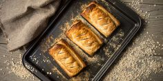 Looking for a vegan version of sausage rolls? Jac introduces a delicious recipe full of fresh ingredients and simple produce for you to serve to vegan guests and family members. Vegan Baking Recipes, Vegetarian Recipes, Gluten Free Sausage Rolls, Vegan Pie, Vegan Food, Vegan Treats, Vegan Christmas, Christmas Recipes, Holiday Recipes