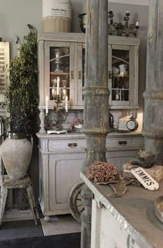 Beautiful French style living...