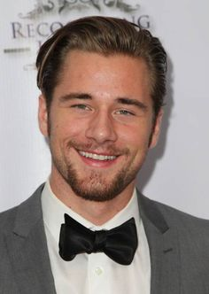 Luke Benward Photos - Luke Benward attends the Annual Unlikely Heroes Awards Dinner and Gala at Sofitel Hotel on November 2014 in Los Angeles, California. - Annual Unlikely Heroes Awards Dinner And Gala - Arrivals Luke Benward, Bridgit Mendler, 19 Kids And Counting, Outdoor Art, Photo L, Height And Weight, Attractive Men, Good Looking Men, Gorgeous Men