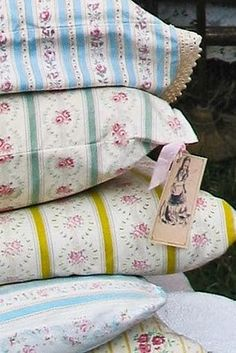 Love the look of these Victorian style pillow cases