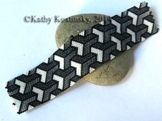 3D Illusion Bracelet Pattern at Sova-Enterprises.com
