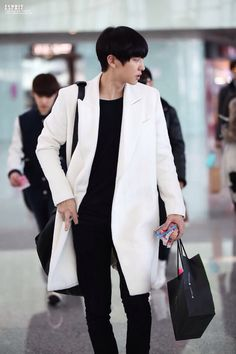Chanyeol in white is life
