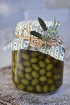 olive in salamoia con la soda caustica