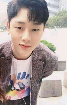 Nikah Muda ー Kwon Hyunbin Kwon Hyunbin, Kim Dong, Hyun Bin, Korean Model, You Are My Sunshine, Kpop Groups, Kpop Boy, Rapper, Produce 101