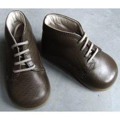 Chaussures montantes premiers pas chocolat [Pépé] Fabrication Italienne. Baby Style, Beginning Sounds, Chocolates
