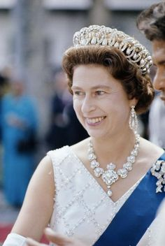 HM Queen Elizabeth II in 1971, wearing the Grand Duchess Vladimir tiara with pearls. I greatly prefer this tiara with pearls over emeralds. It is so beautiful and she wears it so well. Photo courtesy Getty.
