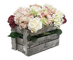 Caja vintage con flores artificiales - gris, blanco y rosa