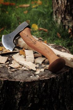 A wonderful axe made by the guys at John Neeman tools for woodcarver Robin Wood, review.