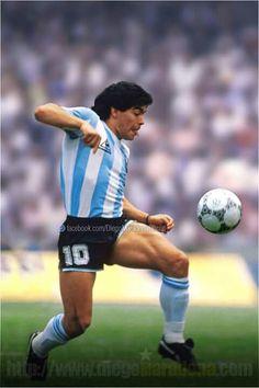 Football Tattoo, Football Art, Soccer Stars, Sports Stars, History Of Soccer, Cristino Ronaldo, Diego Armando, Legends Football, Football Images