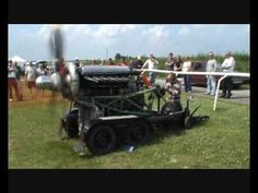 Rolls Royce Merlin static engine run - Amazing sound, it gives me chills...