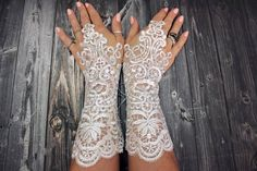 WHOLESALE AVAILABLE  White wedding gloves bridal gloves lace gloves guantes french