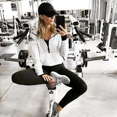 The Full-Body Workout For Extreme Fitness! If you find it simply too hard to stick to a workout plan, why not try a full-body workout program? Workout Attire, Workout Wear, Workout Outfits, Workout Clothing, Fitness Clothing, Workout Tanks, Athletic Outfits, Sport Outfits, Gym Outfits