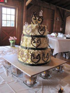 camo wedding decorations | Redneck wedding cake - Cake Decorating Community - Cakes We Bake