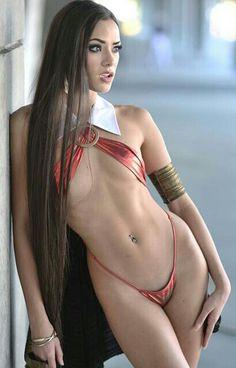 Vampirella cosplay by Joanie Brosas