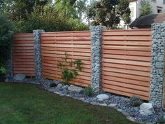 Remodeling and renovation of modern garden design with modern planting & Landscaping & 2019 Garden fence with wood and gabions Backyard Fences, Garden Fencing, Backyard Landscaping, Backyard House, Backyard Privacy, Backyard Designs, Ponds Backyard, Balcony Garden, Indoor Garden