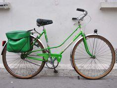 Velo ville femme motoconfort vert flash hollandais Vélos Paris - leboncoin.fr