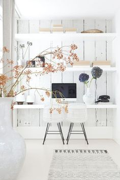 Office inspiration, this shiplap style wall with vertical planks is unique and interesting, love it!
