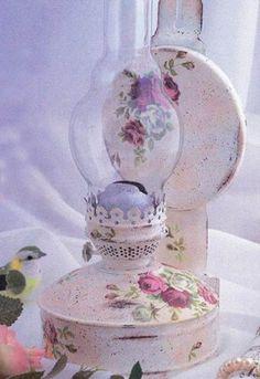 Изображение со страницы http://rukodelie-rukami.ru/uploads/posts/2014-11/thumbs/1417187301_dekupazh-gazovoy-lampy.jpg.