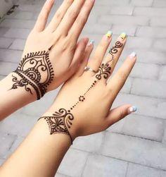 Sexy Tattoos, Small Henna Tattoos, Paisley Tattoos, Henna Tattoo Designs Simple, Tattoos Geometric, Flower Tattoos, Fashion Tattoos, Simple Foot Henna, Art Tattoos