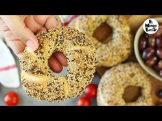 My take on the famous street food, Turkish sesame bread or also known as Simit. The recipe is super simple and the result is delicious! Pizza Recipes, Baking Recipes, Simit Recipe, Comida Armenia, Queso Feta, Turkish Recipes, Bread Baking, Bagel, Street Food
