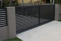 Metal Driveway Gates, Modern Driveway, Driveway Entrance, Entrance Gates, House Fence Design, Front Gate Design, Door Gate Design, Gate Designs Modern, Modern Fence Design
