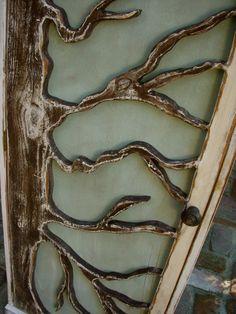 Tree design in detail.    From: honeystreasures on Etsy