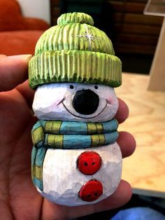 But here is the snowman I worked on at the last meeting! I'm real happy to be through carving on him!