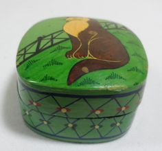 Fenton trinket box | ... Lacquered Painted Folk Art Wood Kitty Cat Kitten Trinket Jewelry Box