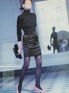 Paris: the news is short, dashing, racy - Vogue US July 1987 - ph. Arthur Elgort