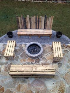 Backyard Benches Made From Pallets    ---   #pallets