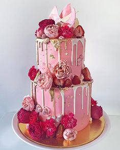 Pink, David Austin roses and snickers.a few of my favourite things! Elegant Birthday Cakes, 21st Birthday Cakes, Birthday Cakes For Women, Pretty Cakes, Cute Cakes, Beautiful Cakes, Amazing Cakes, Bolo Drip Cake, Drip Cakes