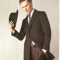 2月最後の日にはエルメネジルド・ゼニア生地のチェスターコート。ビジネスではシンプルなコートが一番使いやすい。 オーダースーツ専門店DoCompany http://www.do-company.co.jp  #コーディネート #メンズ #メンズファッション #コート #メンズ #メンズファッション #メンズコーデ #ゼニア #エルメネジルドゼニア #オーダースーツ #ドゥ・カンパニー