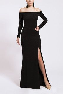 D101 cold shoulders dress with a slit. Black