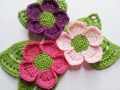 Crochet flower applique with lace leaves in pink by Fiscraftland