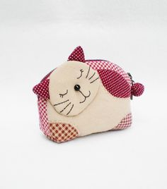 Lovely Kitten Zipper Quilted coin purse.....cute cat design for rug or pillow