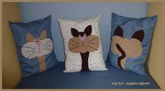 """Cushions """"Cats""""  / Almohadillas """"Gatos"""" / Katzenkissen  - Materiales: Restos de tela, vellón e hilo de coser para las almohadillas; restos de fieltro blanco, beige, marrón y rosado e hilo de bordar negro para los gatos"""