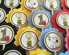 NUEVO - MINI Cupcake Toppers de Charlie Brown