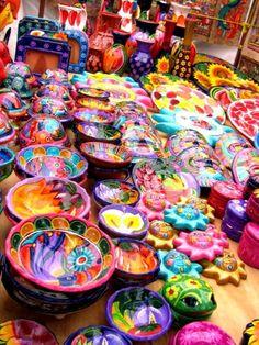 Arcilla pintada a mano, artesanías mexicanas.