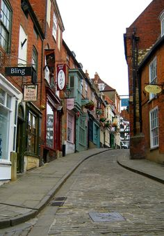Steep hill shops and cafés, Lincoln, UK