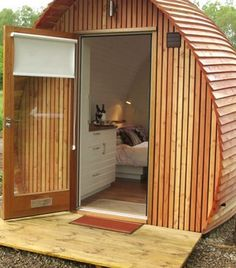 Loch Ness Armadillas built out of sustainably harvested larchwood for a glamping resort in Scotland&; Loch Ness Armadillas built out of sustainably harvested larchwood for a glamping resort in Scotland&; Yulia Lyubimenko julkajl For the […] Tiny House Cabin, Tiny House Living, Tiny House Design, Cottage Design, Mini Cabins, Cabins And Cottages, Log Cabins, Tiny Spaces, Garden Office