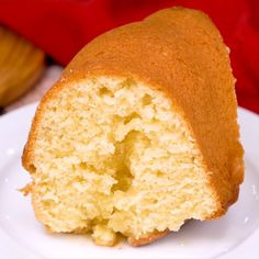 Kentucky Butter Cake is an insanely moist pound cake with a sweet, buttery sauce that soaks through the cake. This cake tastes even better the next day! Moist Butter Cake Recipe, Butter Pound Cake, Buttermilk Pound Cake, Butter Cakes, Just Desserts, Delicious Desserts, Dessert Recipes, Yummy Food, Food Cakes