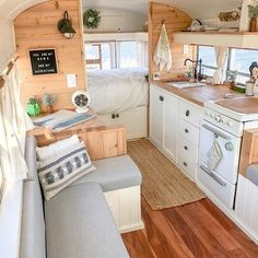 caravan renovation 41517627803032940 - 19 Beautiful RV Makeovers to Inspire Your RV Renovation – camperisme Source by Van Living, Tiny House Living, Small Living Rooms, Caravan Renovation Before And After, Camper Renovation, Kombi Home, Caravan Makeover, Van Home, Bus House