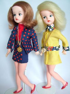 Never had a Sindy because I didn't like the spelling of her name. Still annoys me.