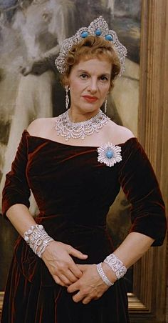 Mrs. Rose Palmer wearing the Westminster Halo Tiara (later turquoise setting), United Kingdom (1930; made by Lacloche; turquoises, diamonds).