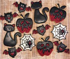 Scary Halloween Cookies, Halloween Cookies Decorated, Halloween Desserts, Halloween Cat, Halloween Treats, Holloween Cookies, Spider Cookies, Cat Cookies, Pumpkin Cookies