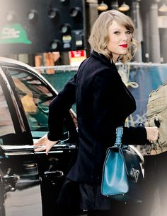 Taylor shopping in NYC today // 1.16.15